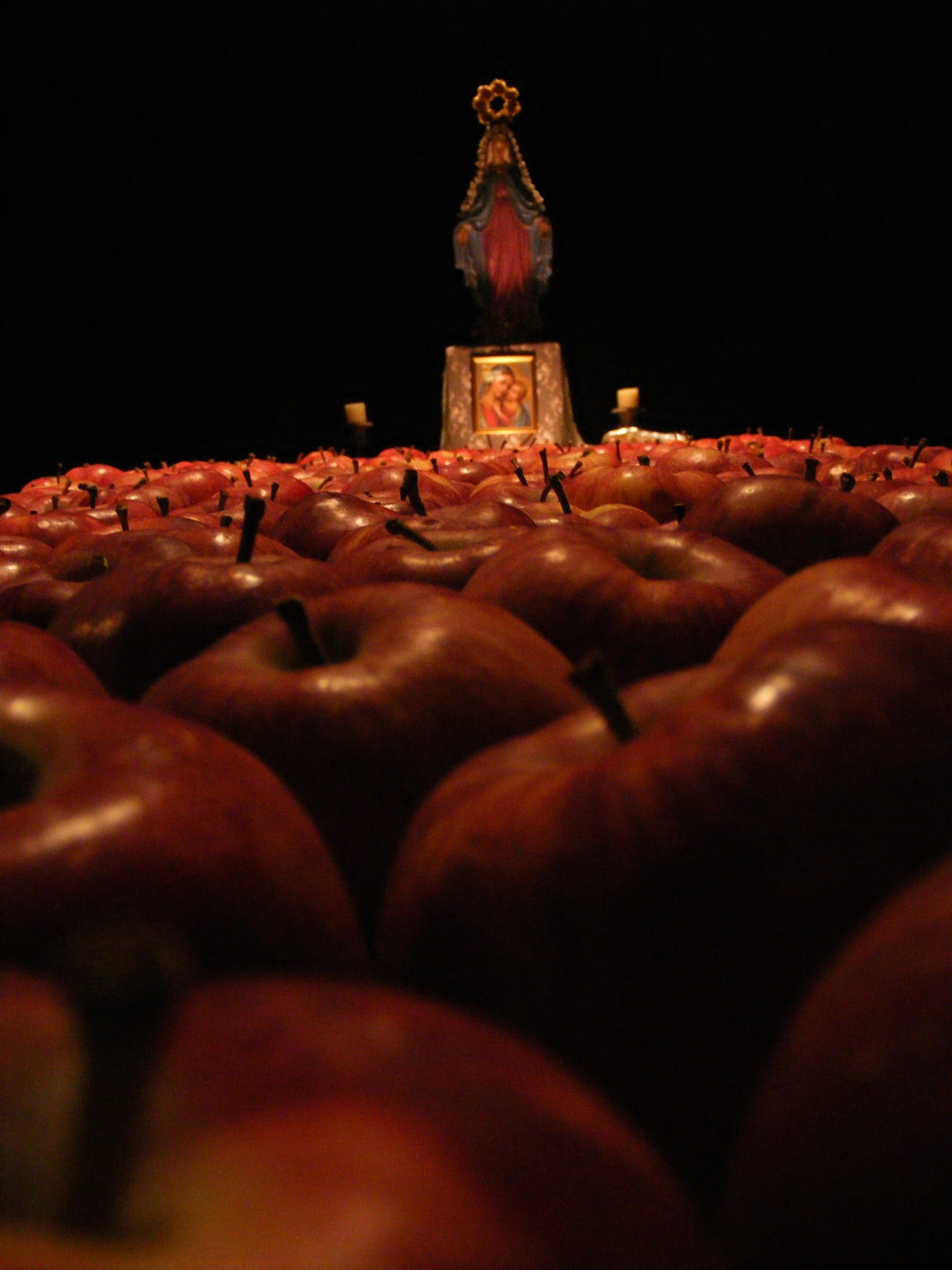 3 pm manzanas poster